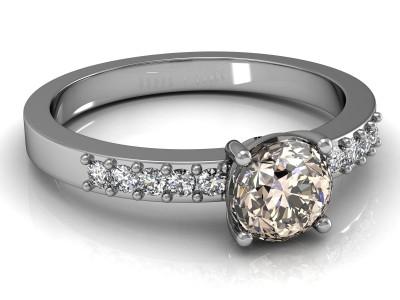 Joya con diamante