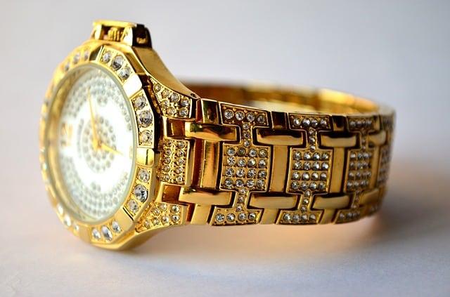 reloj oro y brillantes